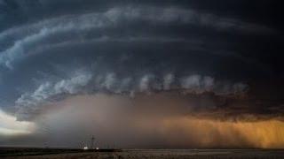 【これ映画のCGじゃないの?!】畏怖の念すら感じる回転する巨大な雷雲「スーパーセル」のタイムラスプ映像が話題を呼んでる。