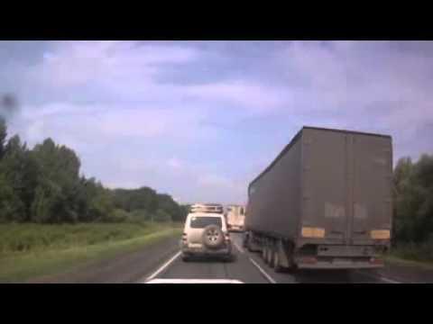 Водитель ЗиЛа повернул налево