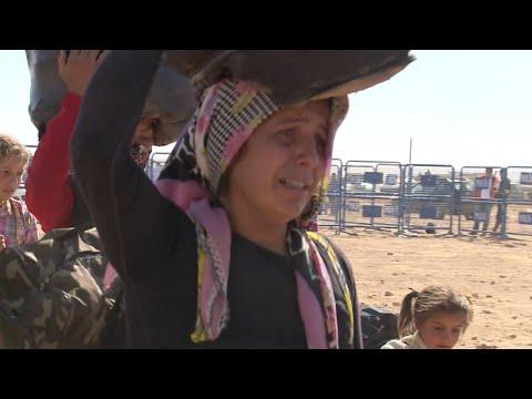 المزيد من اللاجئين السوريين الأكراد يتدفقون إلى تركيا