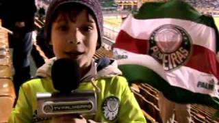 Este menimo tem o coração verde, quando o Palmeiras perde se tranca no quarto e chora, mais disse que o Verdão vai chegar no G4