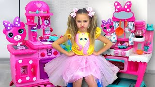 Video Sasha play with Minnie Toy Cafe and Ice Cream Truck MP3, 3GP, MP4, WEBM, AVI, FLV Januari 2019
