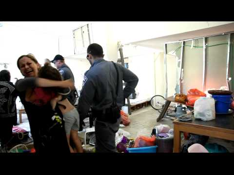 بالفيديو.. اعتداء صهيوني على عائلة فلسطينية