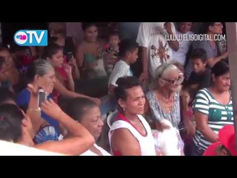 Celebran el Día de las Madres en distintos lugares de Granada