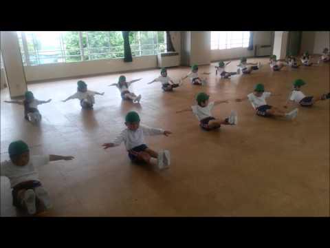 ともべ幼稚園「組体操 初日」