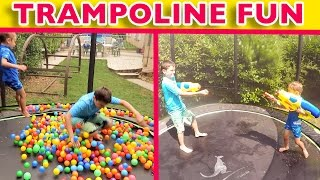 Video TRAMPOLINE FUN : Bataille de Pistolets à eau, Bulles et Balles Multicolores ! MP3, 3GP, MP4, WEBM, AVI, FLV Agustus 2017