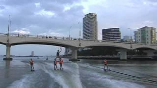 Lướt  Ván Trên Sông Hàn Và Biểu Diễn âm Nhạc đường Phố.mp4