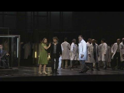 Μια άλλη εκδοχή του Φάουστ με πρωταγωνιστή τον… Στίβεν Χόκινγκ – musica