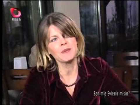 Masa altından eski sevgiliye TACİZ Flash Tv