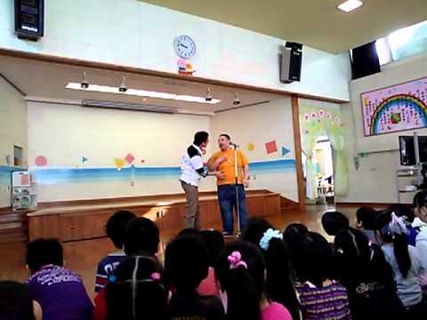 ペドロ軍団の漫才『幼稚園の先生になりたい』in 幼稚園