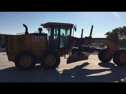 JOHN DEERE MOTOR GRADERS 670GP equipment video QSQY_VxLxyY