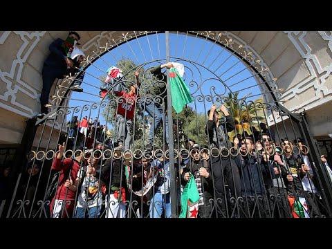 Algerien:  Präsident Bouteflika (82) will wieder kandid ...