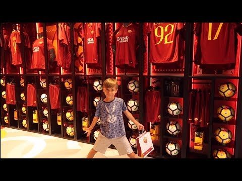 Family Visiting ROME And AS ROMA Football Store ⚽️