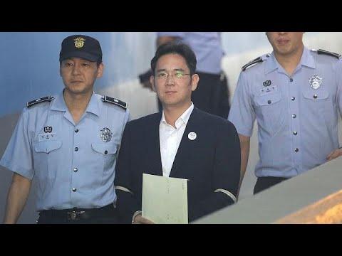 Σε κάθειρξη πέντε ετών καταδικάστηκε ο επικεφαλής της Samsung, Τζέι Λι, για υπόθεση διαφθοράς