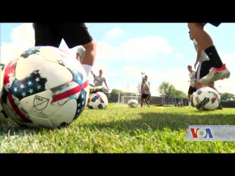 Video US, Canada and Mexico to host 2026 soccer championship - VOA Ashna download in MP3, 3GP, MP4, WEBM, AVI, FLV January 2017
