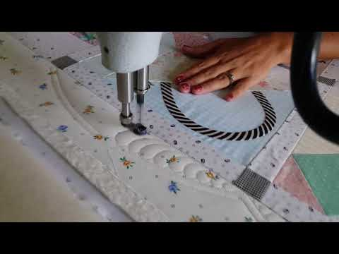 Machine Quilting A Faux Scalloped Border By Natalia Bonner