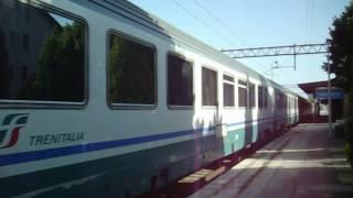 Fossato Di Vico Italy  city photos : Intercity 540 Roma Termini-Ancona in partenza da Fossato di Vico-Gubbio