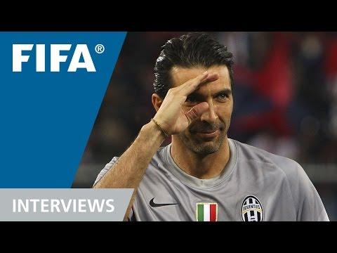 Gigi Buffon recuerda al  Fenómeno