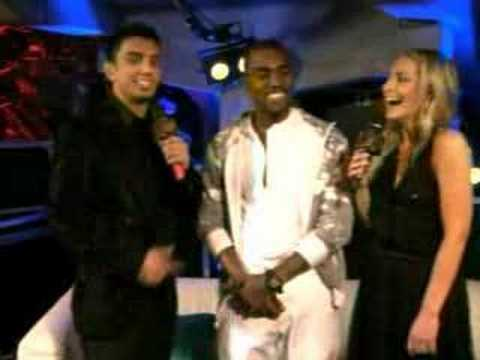 Kanye West crashing stage at EMA's after losing to Justice