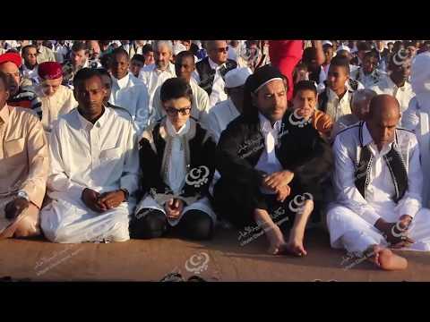 بالزي الوطني الأصيل الليبيون يتبادلون تهاني وأمنيات العيد