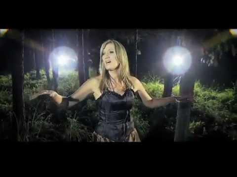 Juanita du Plessis TUSSEN WOORDE official music video