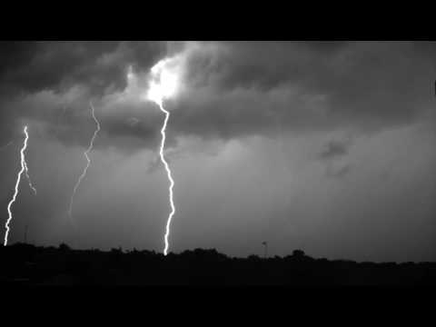 Lightning Storm In Super Slow Motion Is Stunning