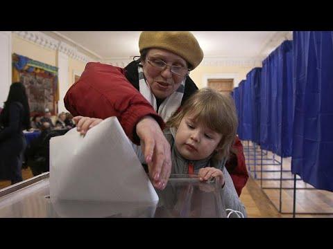 Άνοιξαν οι προεδρικές κάλπες στην Ουκρανία