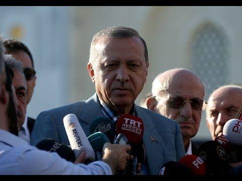 Video - Λιποθύμησε ο Ερντογάν μέσα σε τζαμί! [vids]