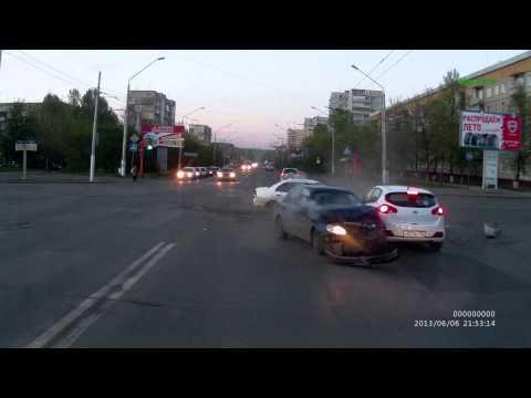 ДТП на перекрестке Октябрьский и б-р Строителей