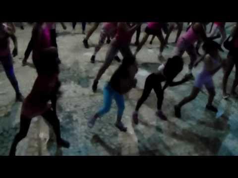 As crianças dão show nas aulas de zumba em Potiraguá Bahia