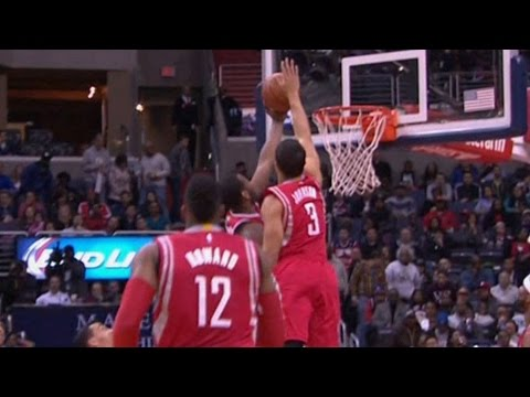Nick Johnson blocks John Wall from behind!