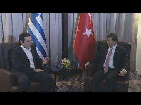 Την ανάγκη συνεργασίας για το μεταναστευτικό, υπογράμμισαν Αλ.Τσίπρας και Α. Νταβούτογλου