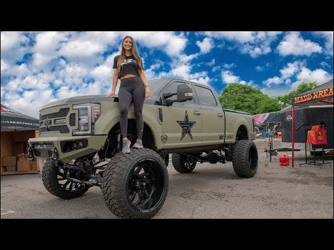 """This GIRL has HUGE 13"""" LIFTED Ford F350 on 42's ($150K) видео"""