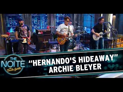 """bleyer - Ultraje a Rigor toca """"Hernando's Hideaway"""" – clássico do Archie Bleyer. Assista ao programa na íntegra: Parte 1 - http://www.sbt.com.br/thenoite/videos/?id=5..."""