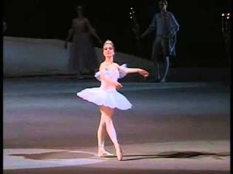1989 Bolshoi Ballet Nutcracker (excerpts 11/12) by Grigorovich/Tchaikovsky - The Sugar Plum Fairy