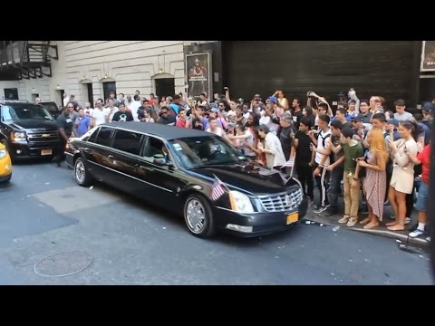 Gluma cu Barack Obama in New York City (video)
