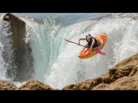 Freestyle Kayaking w/ Aniol Serrasolses 2013