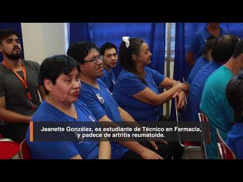 En una emotiva ceremonia, realizada en el Salón Azul del Centro Educacional Huechuraba, el Alcalde Carlos Cuadrado Prats entregó la Beca Municipal de Traslado 2018 para estudiantes discapacitados lo que significa una inversión municipal de 17 millones 654 mil 910 pesos.