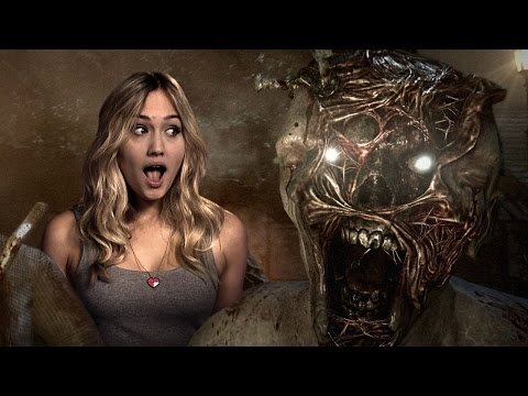 plays - Naomi and Jared encounter their first jump scare moment in The Evil Within whilst trying to escape an evil chainsaw man.
