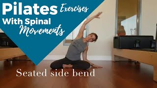 Exercícios inspirados em Pilates com movimentos de coluna.