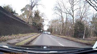 Stoke Poges United Kingdom  city photos : Dash Cam UK - Car tries three car overtake - Stoke Poges, Buckinghamshire - NA09FYG