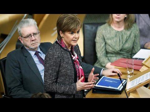Brexit: Δεν αποκλείουμε νέο δημοψήφισμα ανεξαρτησίας, διαμηνύει η Σκωτία