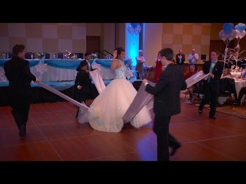 Alexis' Quinceañera Choreographed Waltz (видео)