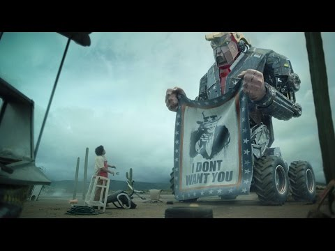 當墨西哥移民被扔過圍墻之後「川普機械人」出現大開殺戒,超狂畫面比好萊塢大片更精彩!