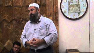 Në këtë moment do hyn në Xhami një njeri i cili është prej banorëve të Xhenetit - Hoxhë Ferid Selimi