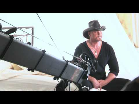 Trace Adkins- Behind the Scenes