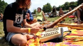 Airvault France  city photos gallery : Festival didgeridoo 2011, Airvault (France, 79), impro dulcimer, percu, flute, didg