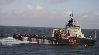 Video Big tugs in High sea MP3, 3GP, MP4, WEBM, AVI, FLV Maret 2019