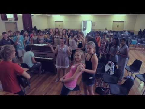 Gisteraand – Noordwes Jeugkoor en Dans Dans Lisa