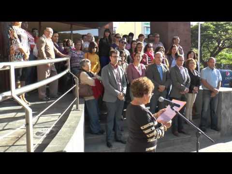 El Cabildo de La Gomera guarda un minuto de silencio por las víctimas de violencia de género