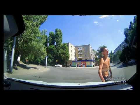 Друзья! На улицах Саратова, или - Эти трюки прошу не повторять! Опасно! (Пашкетт)